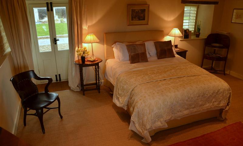 001_bedroomentryroom